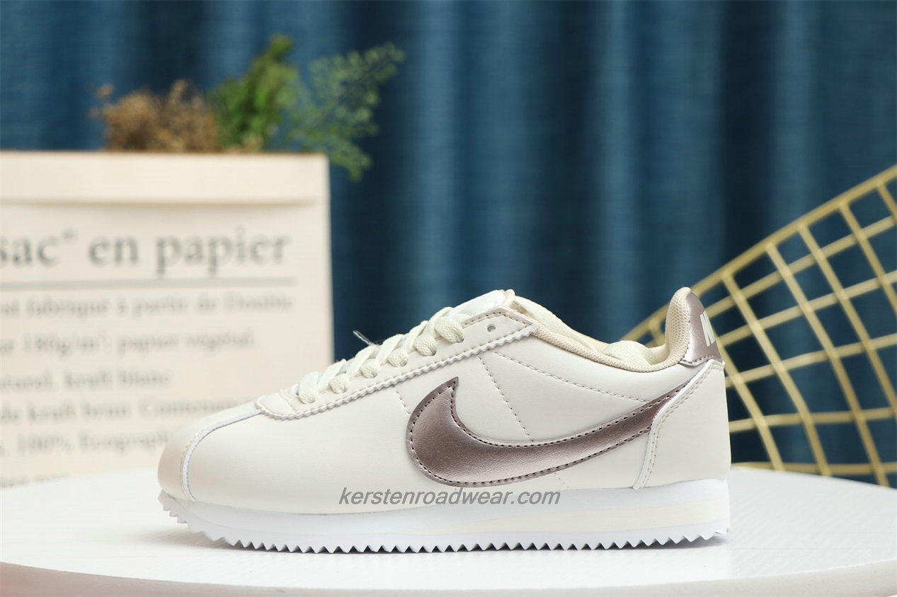 Nike Classic Cortez Unisex Beige / Gold Running Shoes